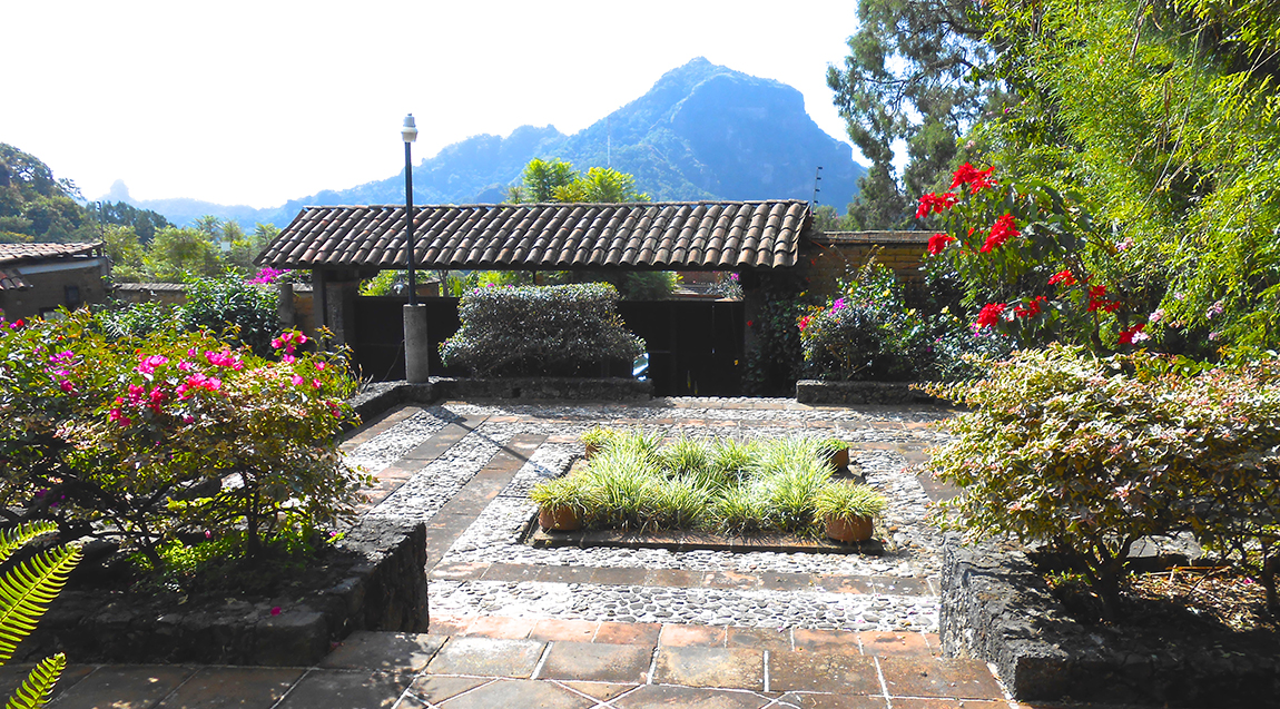 Casas con jardines mexico related keywords casas con for Alberca con jardin