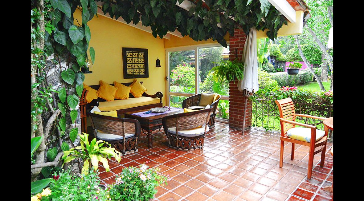 Casa en renta en el bosque tepoztlan jardin estudio for El jardin en casa