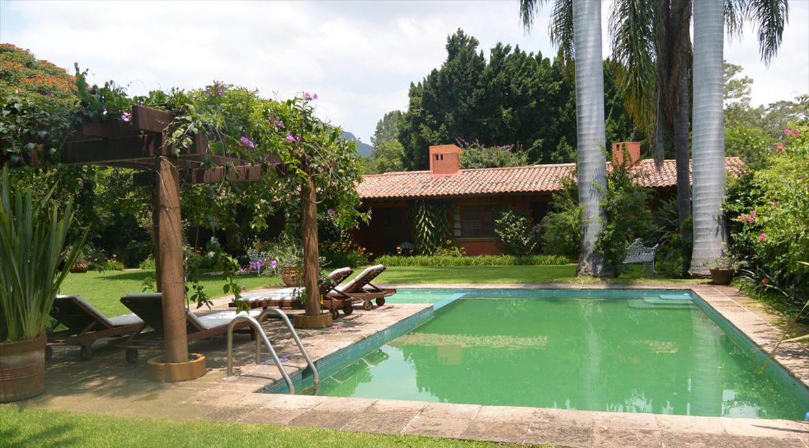 Hermosa quinta en venta tepoztlan valle de atongo con for Jardines de casas quintas