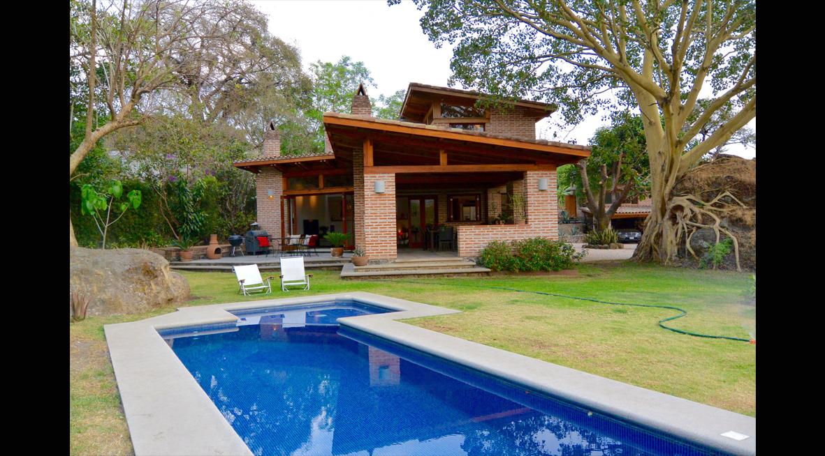 Hermosa casa en venta valle tepoztlan bienes raices con alberca valle de atongo alberca y Casas en llica de vall
